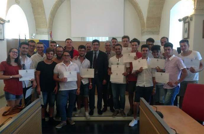 Consegnate-30-borse-di-studio-a-studenti-meritevoli-dell'Istituto-Agrario-Umberto-I-di-Andria