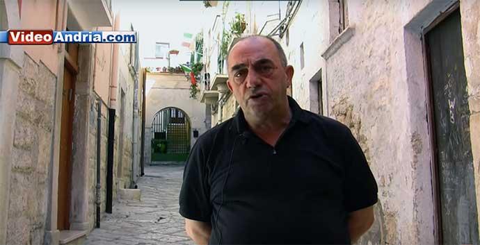 il-professor-Riccardo-Suriano-nel-centro-storico-di-Andria