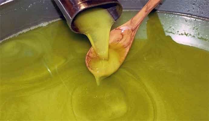 olio-extra-vergine-di-olivajpg