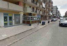 Pastore tedesco dell'Arma dei Carabinieri trova droga in automobile a Trani — il VIDEO