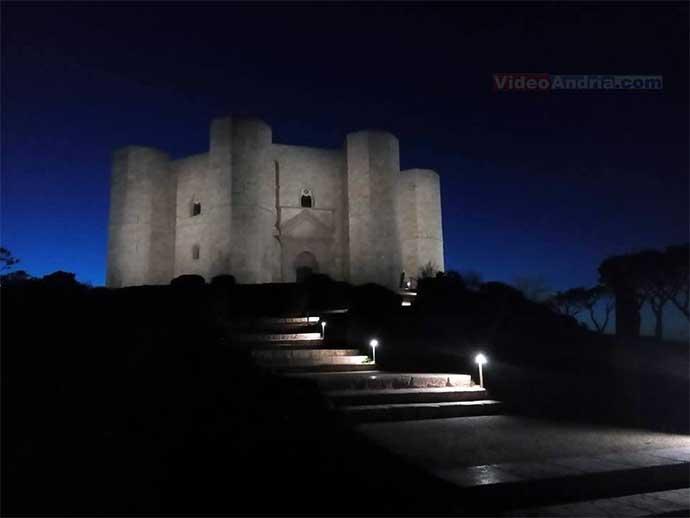 Oggi e domani Castel del Monte aperto anche di notte al costo di 1€