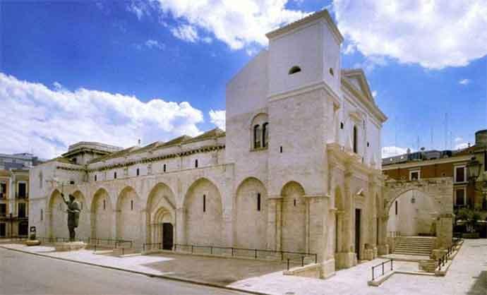 foto-barletta-eraclio-chiesa-san-sepolcro