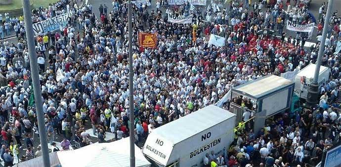 Risultati immagini per no bolkestein manifestazione roma