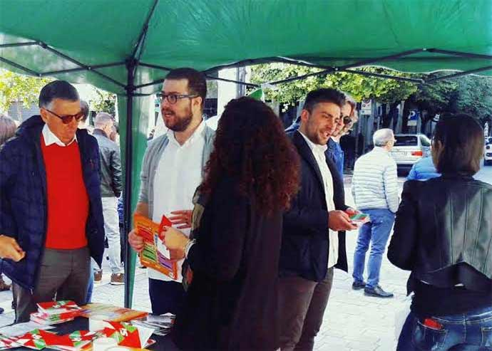gazebo-pd-andria-referendum-si