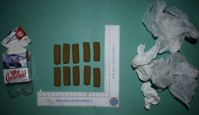 Torre Annunziata, arrestato 21enne: scoperto a casa con un ordigno bellico