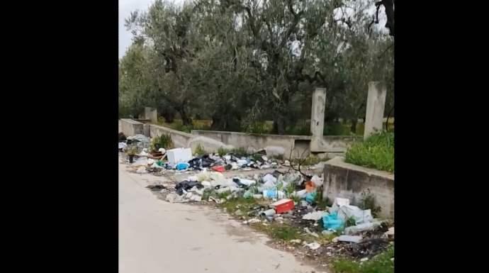 rifiuti abbandonati contrada mastrottaviano Andria