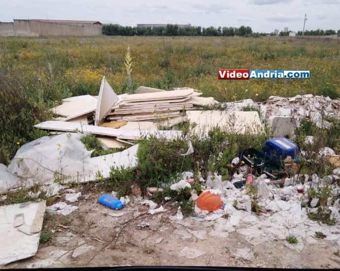 rifiuti abbandonati contrada lamapaola