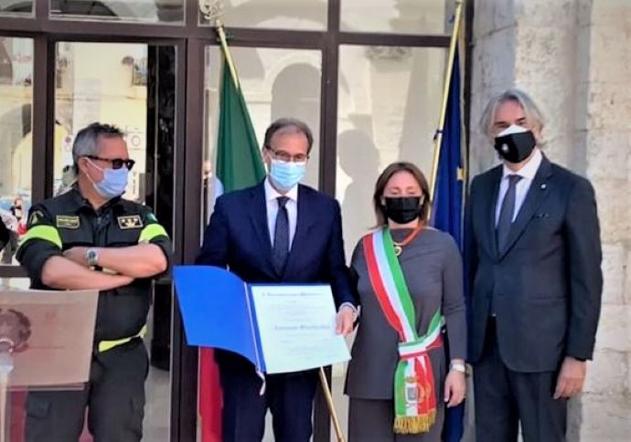 Emanuele Sterlicchio, Vigile del Fuoco