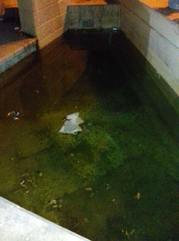 acqua sporca fontana piazza catuma andria