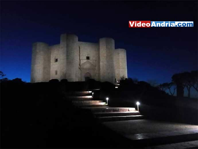 castel-del-monte-di-notte-sera puglia andria