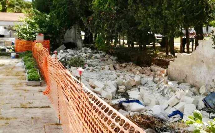 crollo muro crollato andria villa comunale