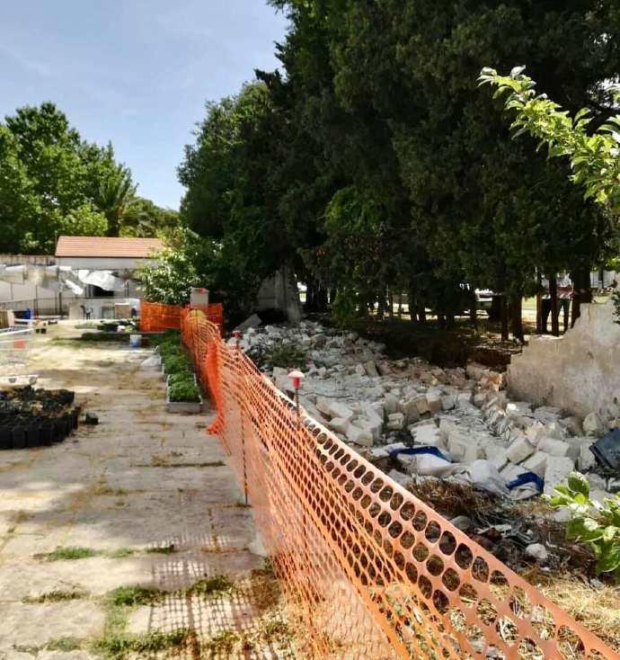 crollo muro crollato andria villa comunale(1)