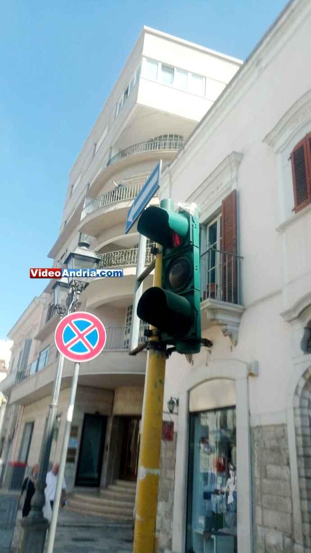 semaforo via de gasperi