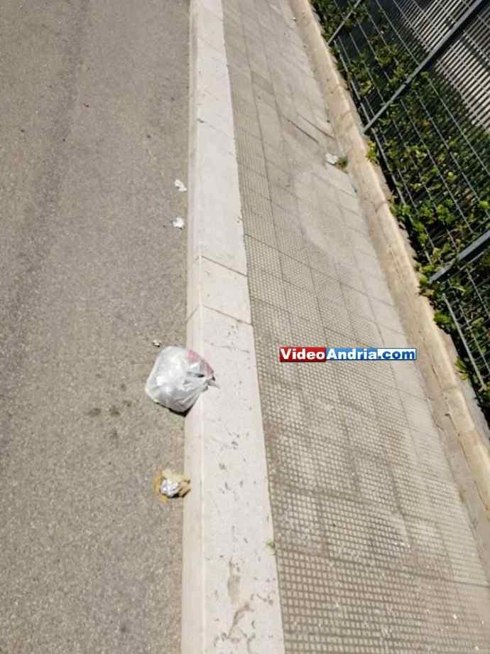 rifiuti abbandonati via porta pia andria